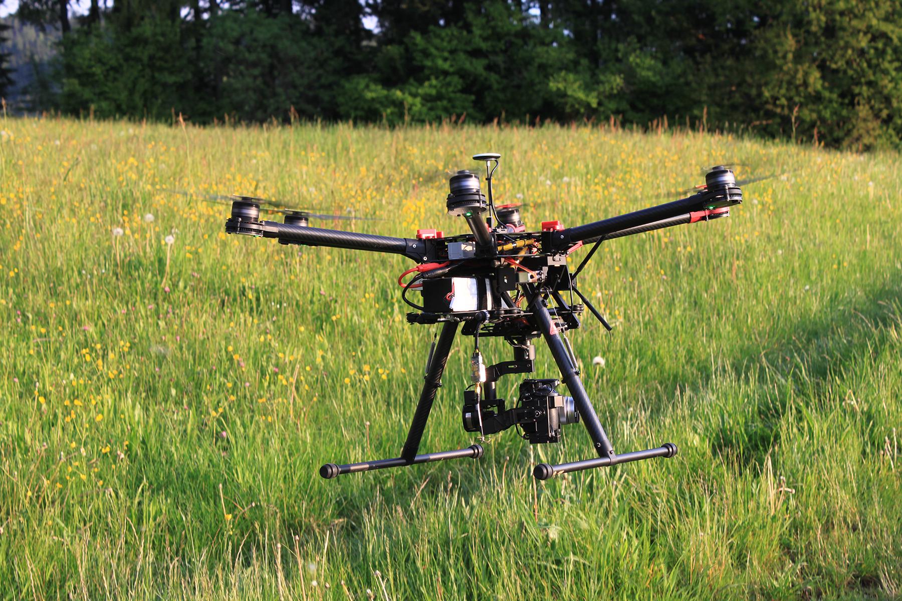 Drohnenaufnahmen, Drohne